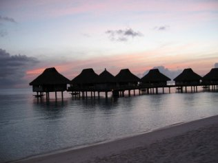 SUNSET AT HILTON BORA BORA NUI RESORT & SPA