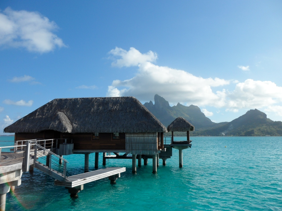 FS BORA BORA | OTEMANU OVERWATER BUNGALOW WITH PLUNGE POOL