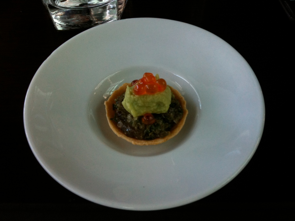 THE CONCIERGE SERVICES AT THEIR BEST | COMPLIMENTARY CANAPÉ AT CAFE SYDNEY COURTESY OF THE WESTIN