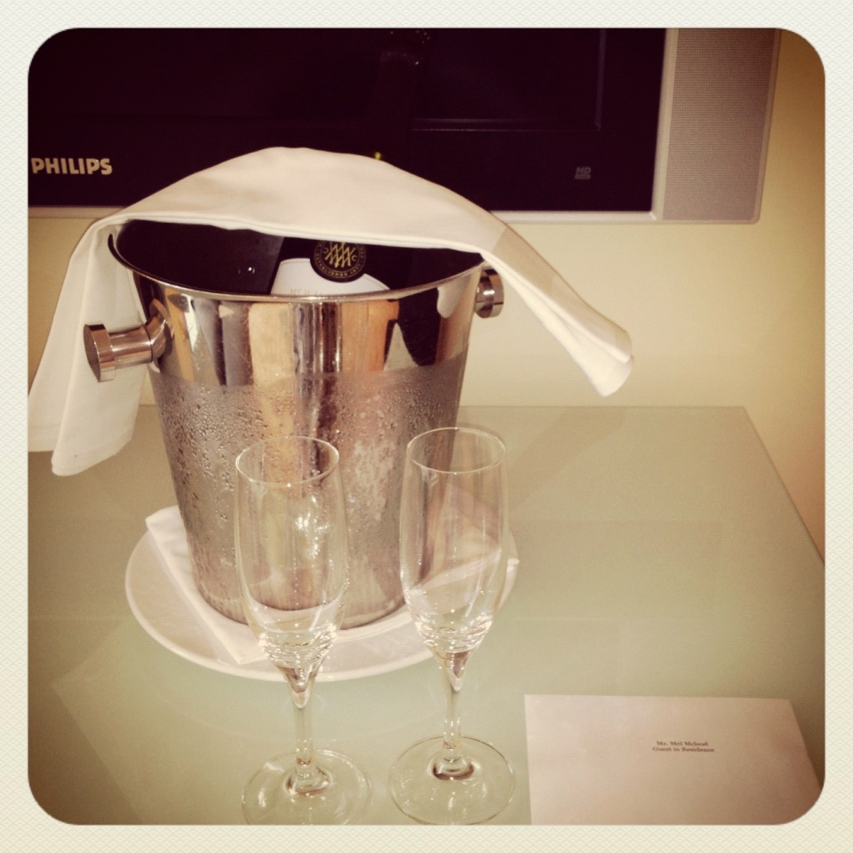 EXECUTIVE SUITE 2109 | SURPRISE CHAMPAGNE DELIVERY FOR MY BIRTHDAY