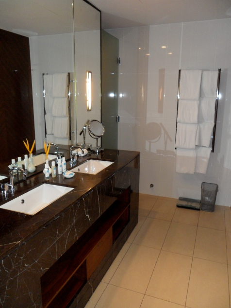 BATHROOM WITH PURE FIJI AMENITIES