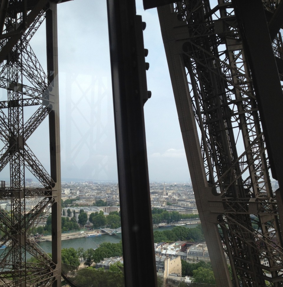 ASCENDING PILIER SUD OF TOUR EIFFEL IN A PRIVATE ELEVATOR TO JULES VERNE | PARIS