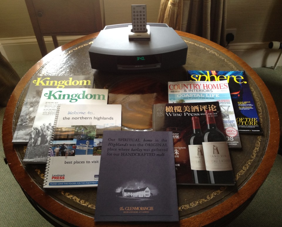 BOSE MEDIA CENTRE AND MAGAZINES | EASTER ROSS ROOM