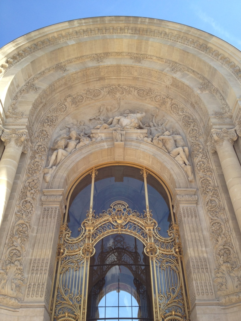 THE ENTRANCE OF LE PETIT PALAIS