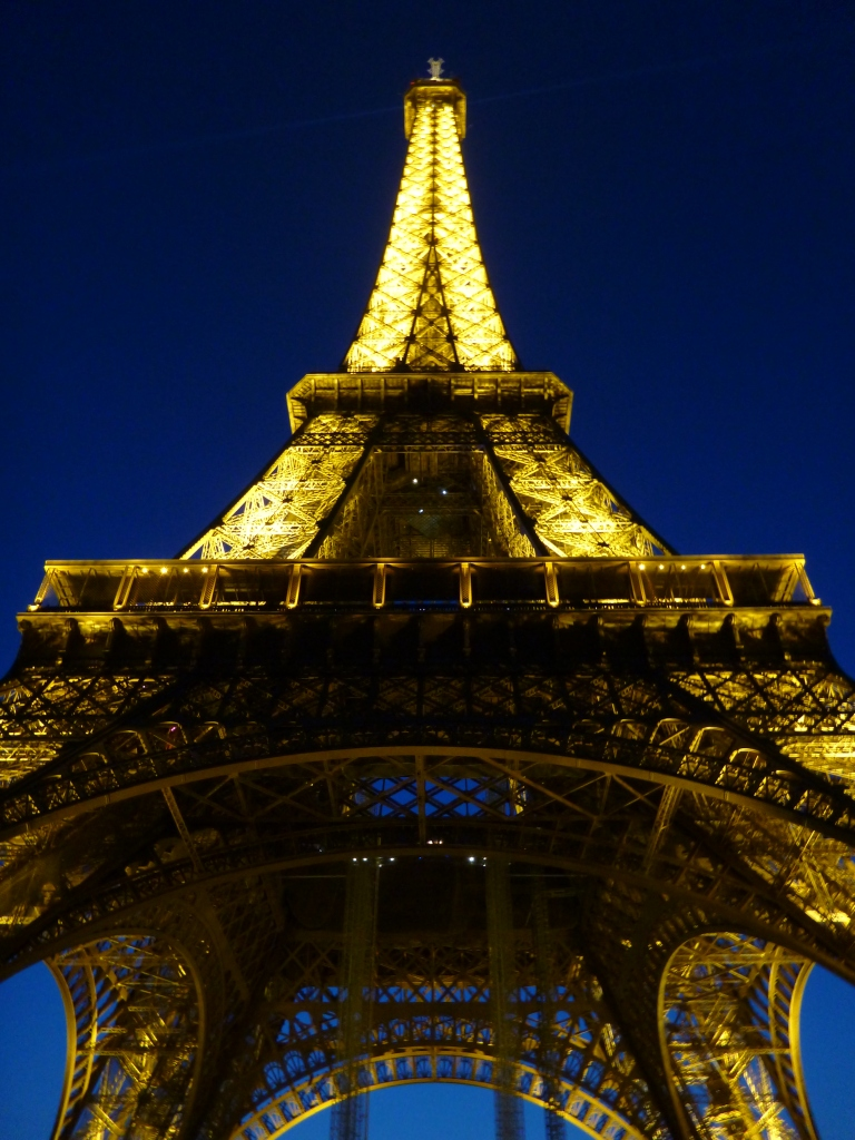 SUMMER NIGHT AT THE TOUR EIFFEL
