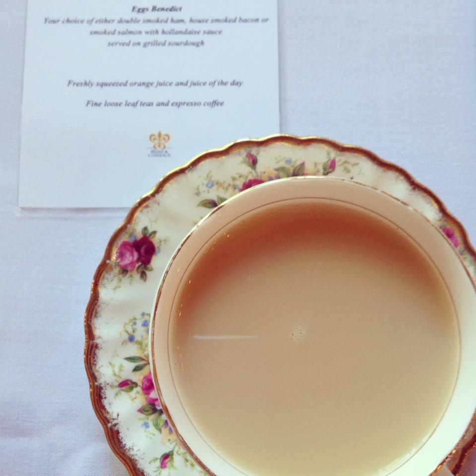 A MORNING ENGLISH BREAKFAST TEA