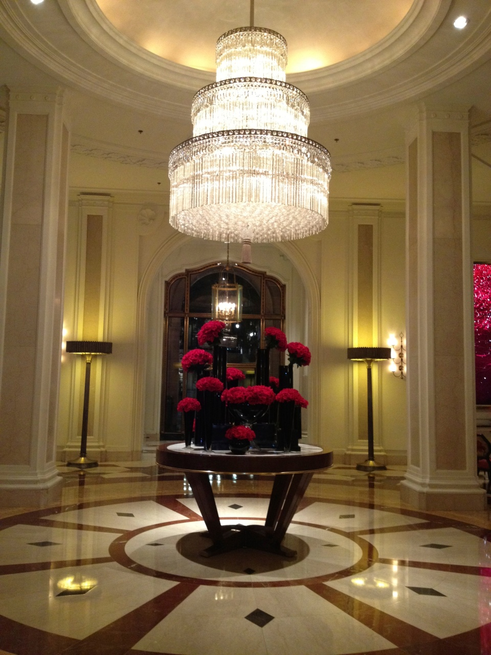 LOBBY | FOUR SEASONS BEVERLY WILSHIRE