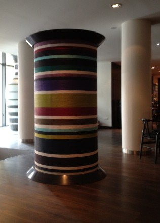 LIFE SIZE MISSONI THREAD