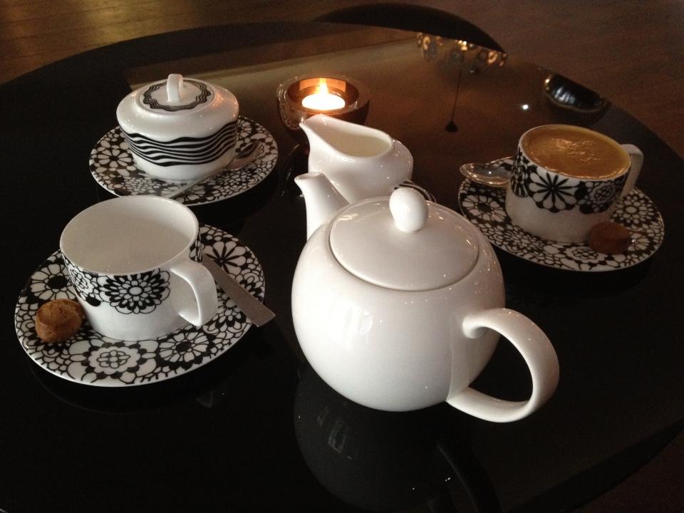 TEA AND ITALIAN COFFEE AT BAR MISSONI