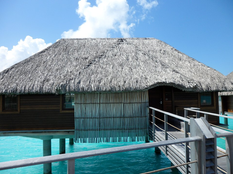 FOUR SEASONS RESORT BORA BORA OVERWATER BUNGALOW 418