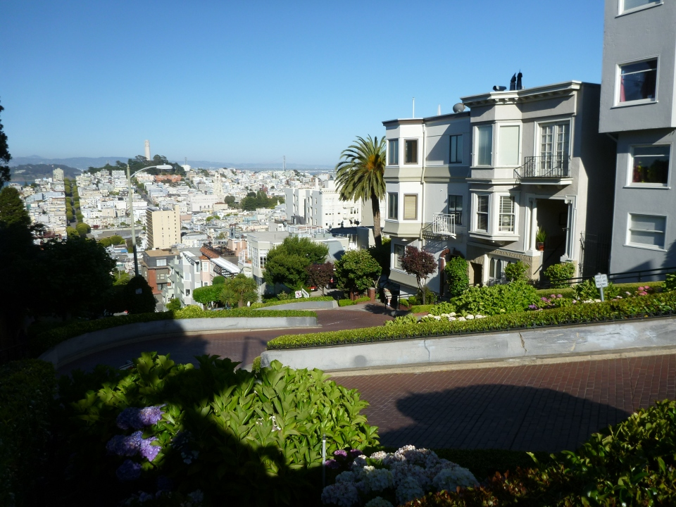 VIEW TOWARDS TREASURE ISLAND, COIT TOWER AND SAN FRANCISCO & OAKLAND BAY BRIDGE