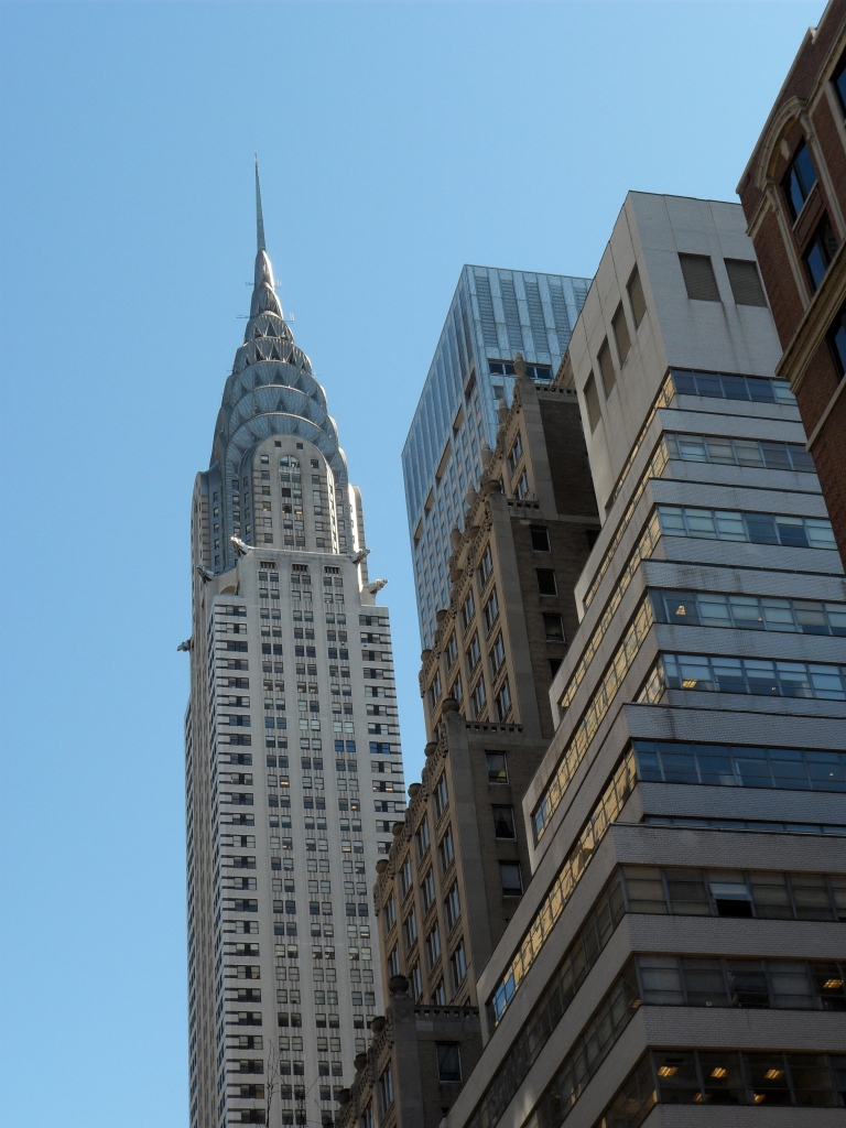 MY FAVE ART DECO.... CHRYSLER BUILDING