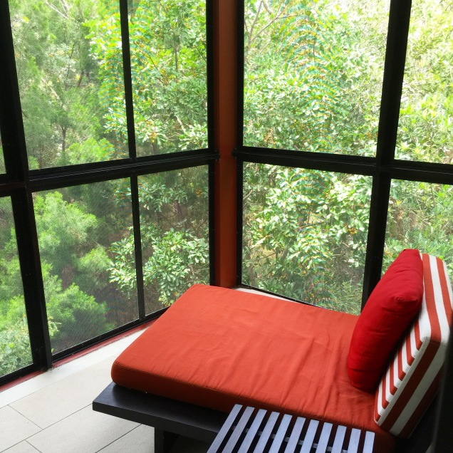 PEACE AND QUIET IN YOUR PERSONAL ENCLOSED RAINFOREST RETREAT